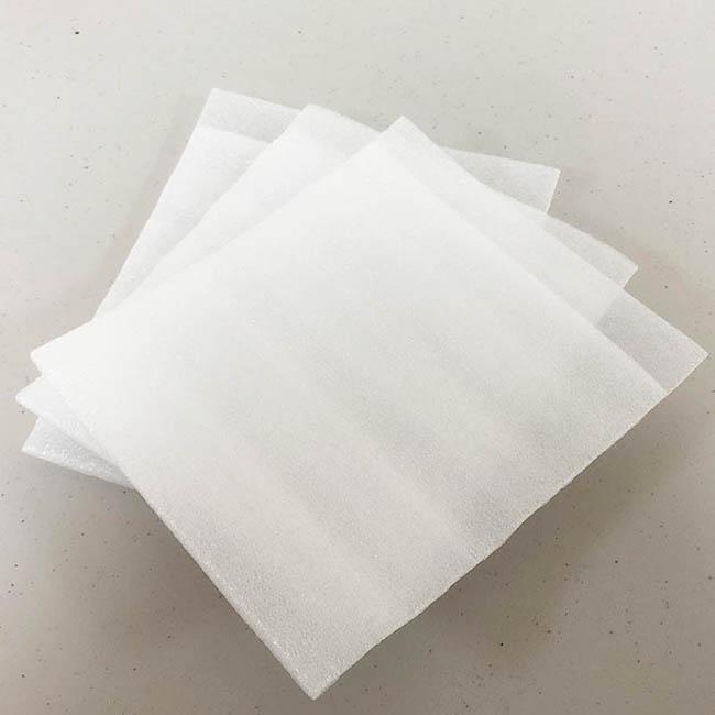 EPE舒美布袋 4大特性【500pcs/包】 又稱 舒美布 珍珠棉袋 、 珍珠棉板 、 舒美布袋 、 珍珠棉袋。由於單純珍珠棉材料是非常容易破裂,所以需要在珍珠棉上增加一層PE膜,增加拉伸性能及抗撕裂性能,是一種新型包裝緩衝材料達到保護產品功能。此包裝材既安全又無毒,是您可以信賴的包裝材。北部台北汐止祥昊包裝材料行