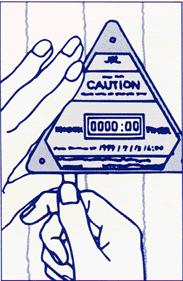 使用步驟3-為什麼傳統的震動或撞擊傳感器無法改善運輸質量?運輸中產品的損壞因素很多,包裝不當或粗暴地裝卸貨物等。有時可能無法從外部包裝查看內部產品,尤其是包裝極其沉重時。因此,無法及時發現產品的損壞, shocktimer 撞擊防震計時指示器 改善這運輸的問題。又稱作 shock timer , 衝擊指示器 , 震撞指示器
