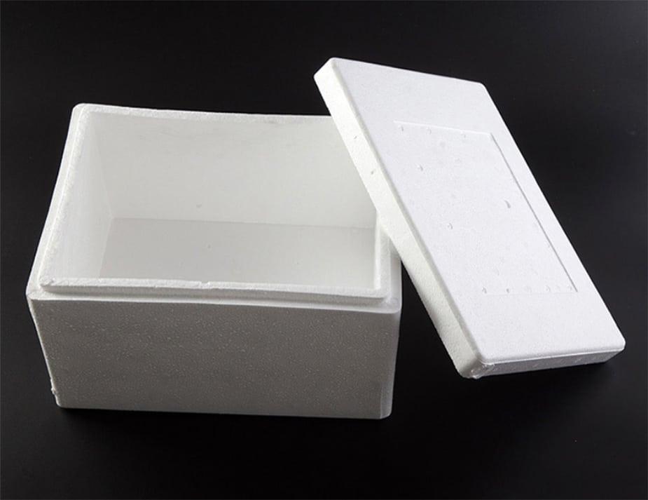 EPE和EPS的區別 我們常常聽到 包裝材料 的材質分成EPE及EPS,但你知道它們兩者之間有甚麼差異嗎?對於產品的保護又有何不同之處? EPE特點 :密度小、柔韌性好、回復率高,常見的材料為: EPE珍珠棉 。EPS:具吸水性小,保溫性好,品質輕及較高的機械強度等特點,常見的材料為: EPS 乖乖粒 。